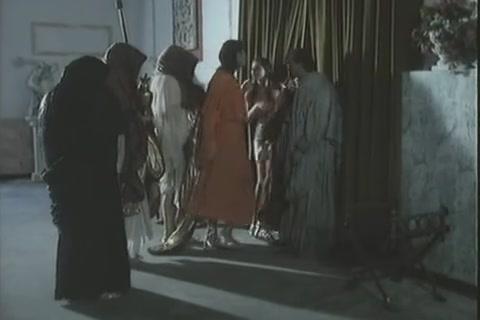 Групповые оргии фото, музыкальные видеоклипы с обнаженными девушками