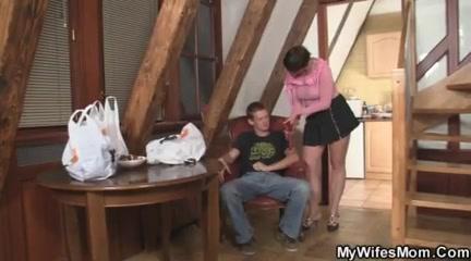 семье муж жена жены титястые порно Вам посетить сайт