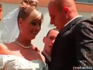 video-ebut-nevestu-na-svadbe-rossiya-porno-zvezdi-blondinka