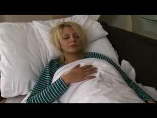 Пьяная спала а ее трахнул порно ролики