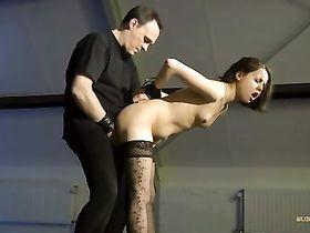Пытки заключённой порно