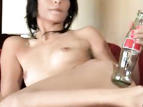 Бутылка Во Влагалище Смотреть