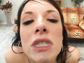 Азиатка и сперма в рот